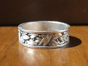 Laurel Wreath Ring in Frosted Ultra Detail