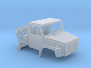 1/64 scale International 2574 Truck cab with inter in Frosted Ultra Detail