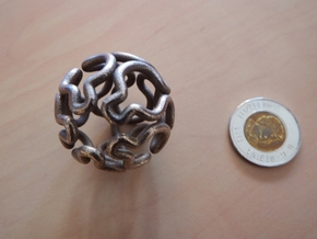 Hamiltonian path on a truncated icosidodecahedron in Stainless Steel