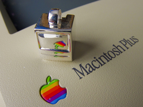 Macintosh SE/Plus Keychain item [25mm] in Premium Silver