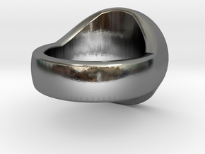 Trinity Signet Ring in Polished Silver