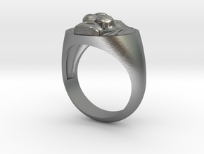 Lion signet ring in Raw Silver