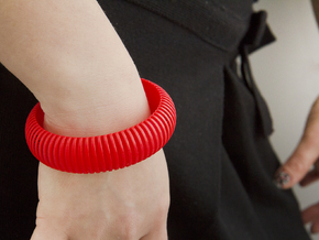 Medium Size - Cutted Ellipse Bracelet in Red Strong & Flexible Polished
