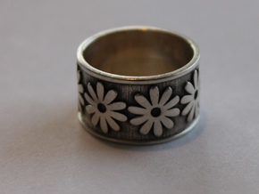 31 Daisy ring Ring Size 7 in Polished Silver