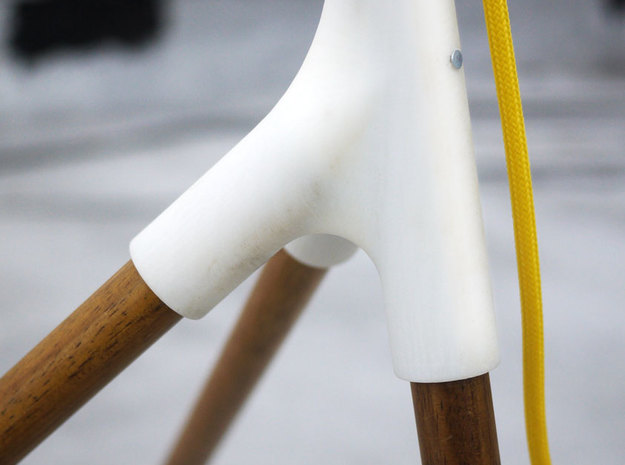 BROOM STICK FLOOR LAMP 3d printed tripod detail shot
