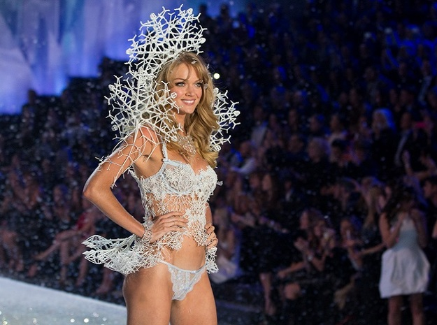 "Snowflake Fractal Bracelet 3d printed Lindsay Ellingson's ""Snow Queen"" Look at the 2013 Victoria's Secret Fashion Show."