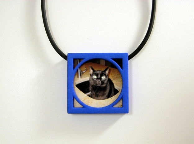 Wearable Gallery Picture Pendant 3d printed Wear your pet to work!