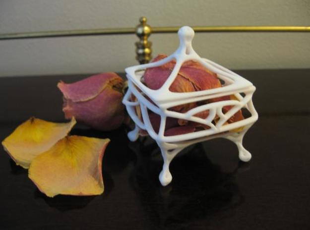 Petal Box 3d printed A photo with petals inserted.
