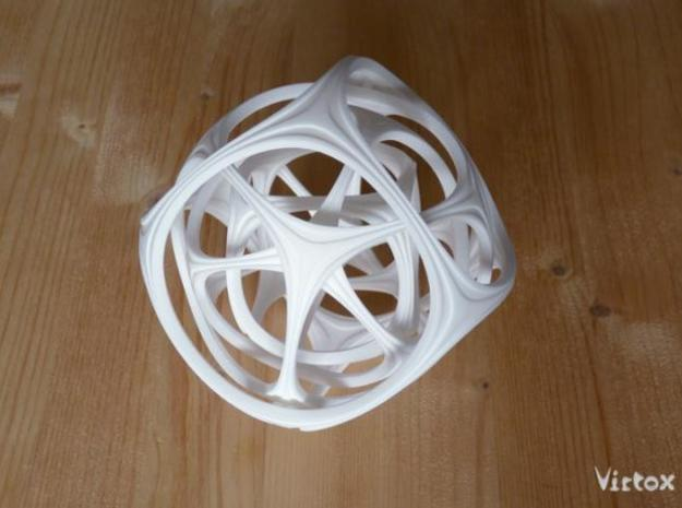 Gyro the Cube (L) 3d printed White Strong & Flexi
