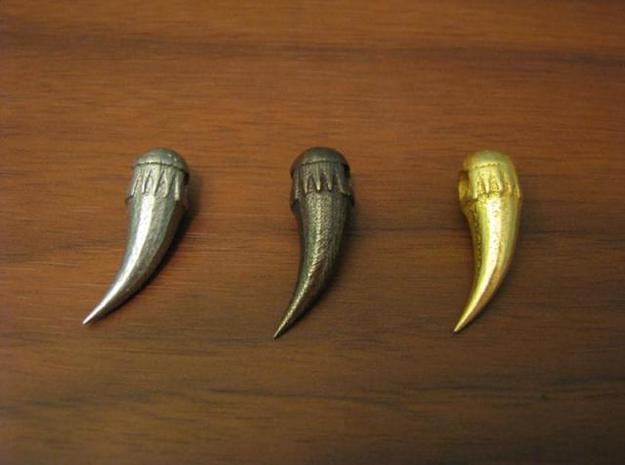 Claw Pendant 3d printed Antique Bronze Glossy, Stainless Steel, and Gold Plated Glossy claws
