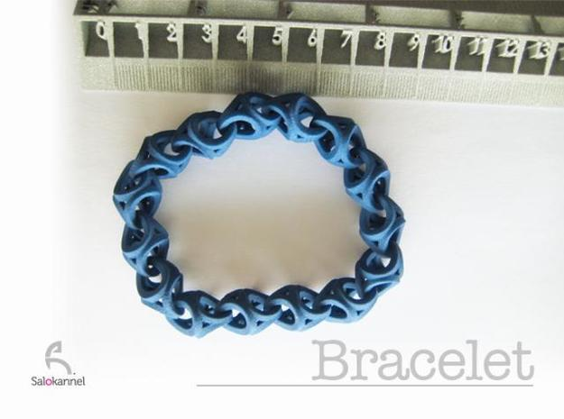 Crossover Thick - Bracelet size S 3d printed with ruler