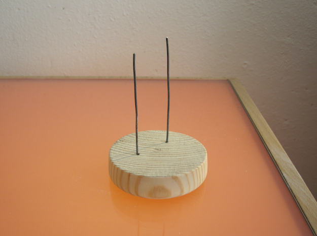Model Helene 3d printed Piece of wood and iron wire (not included)