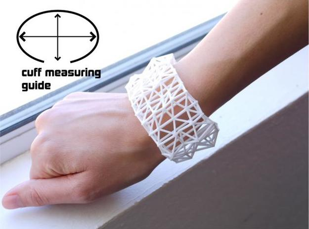 Faceted Cuff in Size Medium 3d printed Description