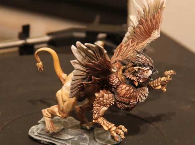 Owl Griffon 3d printed From the side