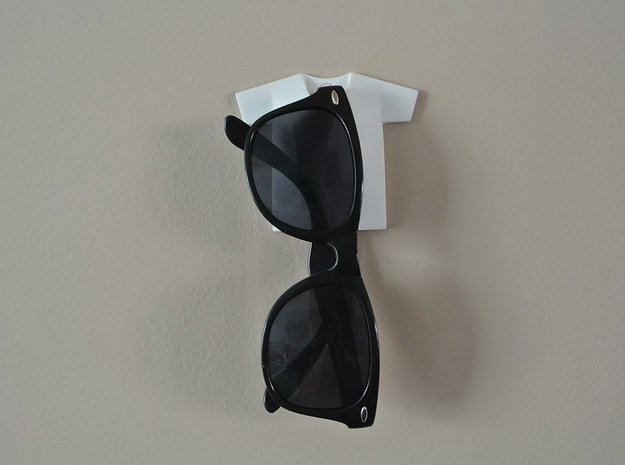 T-shirt Sunglasses Holder 3d printed