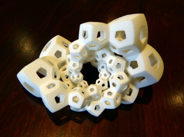 Dodecahedron Chains 1 3d printed
