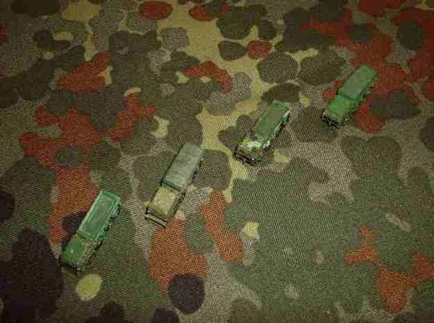 1/300 Tatra 813 Truck x 4 3d printed Four variants are possible, with or without dozer blade or roof