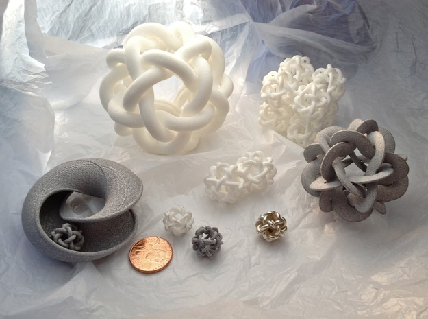 oH vOy ! 3d printed oH vOy ! Alumide in a group
