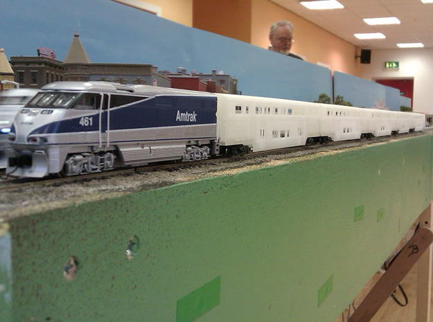 Amtrak Surfliner Cafe 3d printed Surfliner rake of cars unpainted