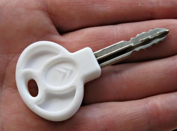 The new key head, pressed onto the existing key shank