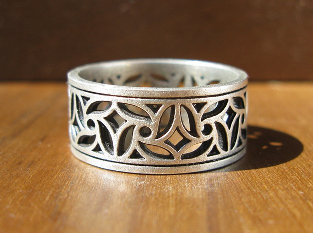Gothic Pinwheel Tracery Ring (Open)