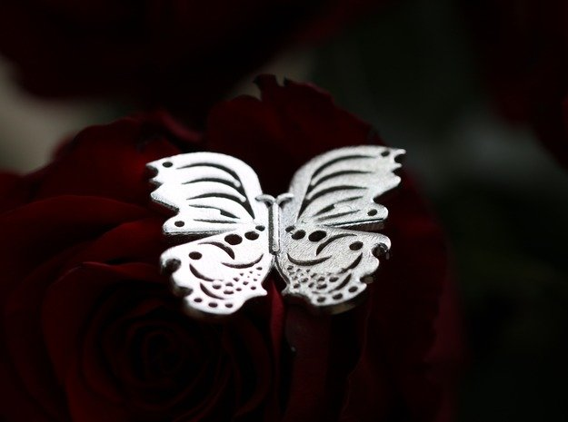 Extravagant Butterfly Pendant in Natural Silver