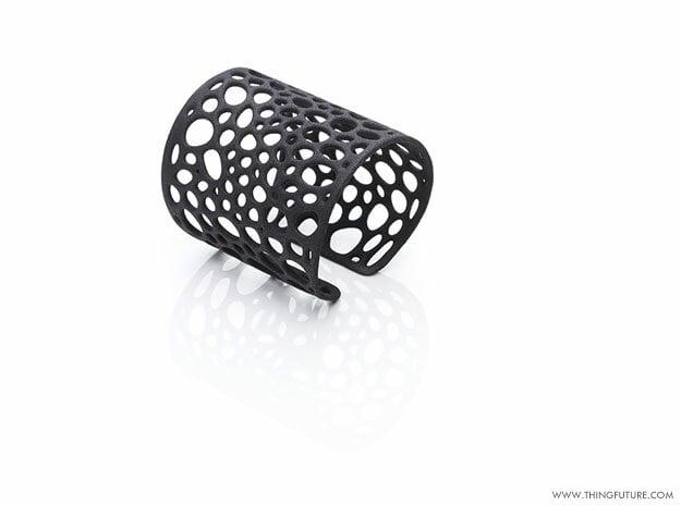 Voronoi bracelet (LARGE) in Black Natural Versatile Plastic