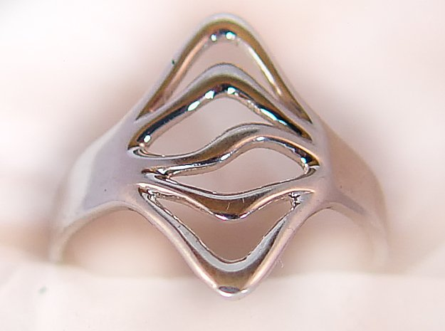 Cocktail Ring in Polished Silver