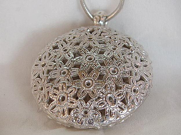 Flower Pendant in Polished Silver