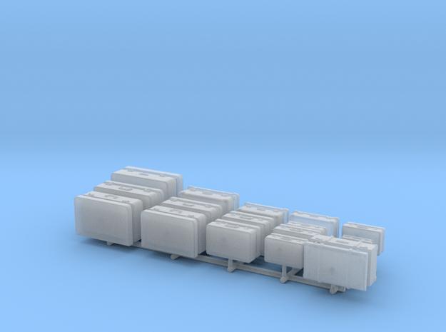 S1-303   19 alte Koffer verschied. Ausführungen u  in Smooth Fine Detail Plastic