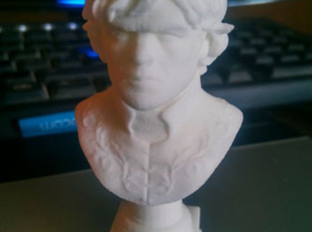 Tyrion Lannister Bust 8cm height  in White Natural Versatile Plastic