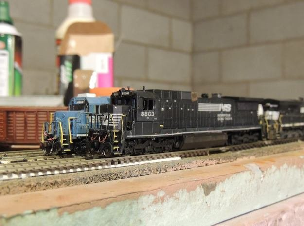 N Scale NS C39-8 With Nose Plate in Smooth Fine Detail Plastic
