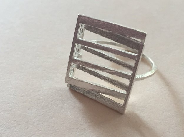 Meet: Intersecting Planes Ring in Polished Silver: 7 / 54
