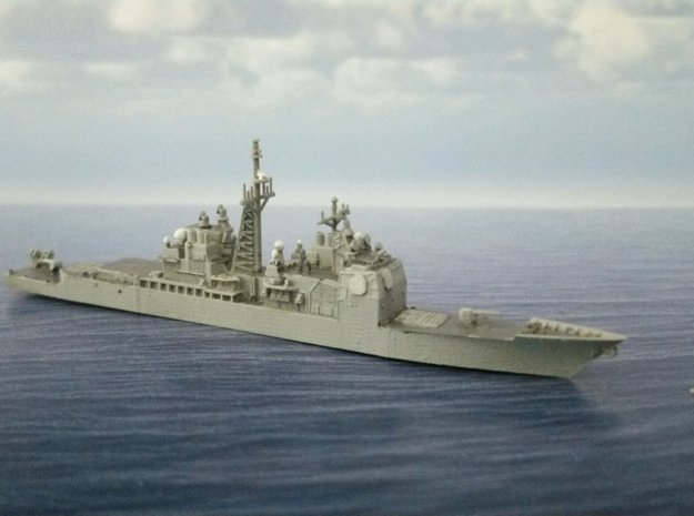 1/2000 USS Bunker Hill  in Smooth Fine Detail Plastic: 1:2000