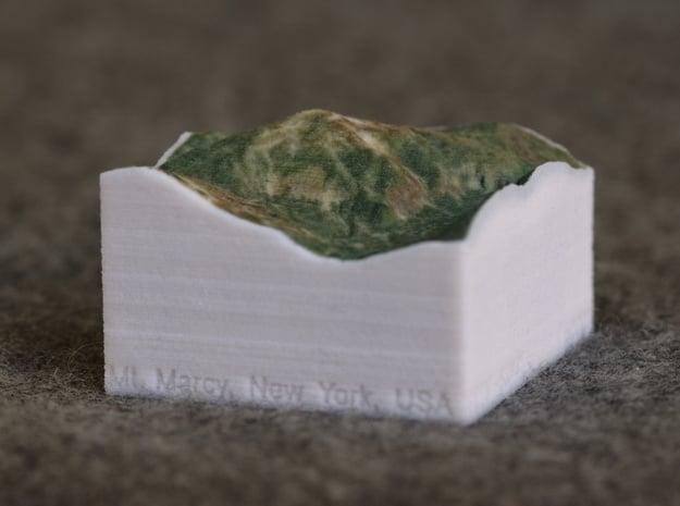 Mt. Marcy, New York, USA, 1:50000 Explorer in Full Color Sandstone