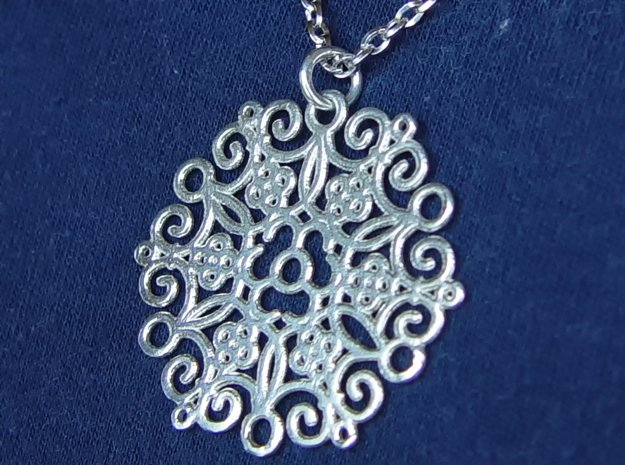 Round Cast Pattern Pendant in Polished Silver (Interlocking Parts)
