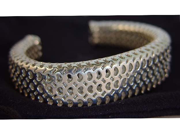 Heart Pattern Cuff in Polished Silver