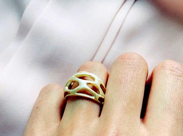Ring Voronoy  in White Natural Versatile Plastic