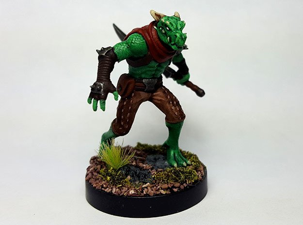 Dragonborn Scout in Smooth Fine Detail Plastic