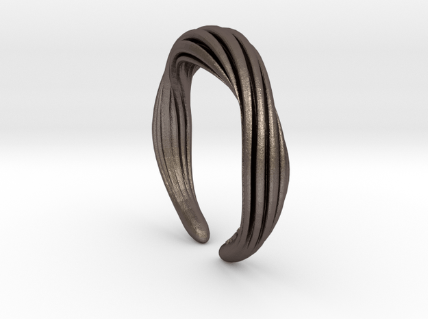 Wolly    Ring