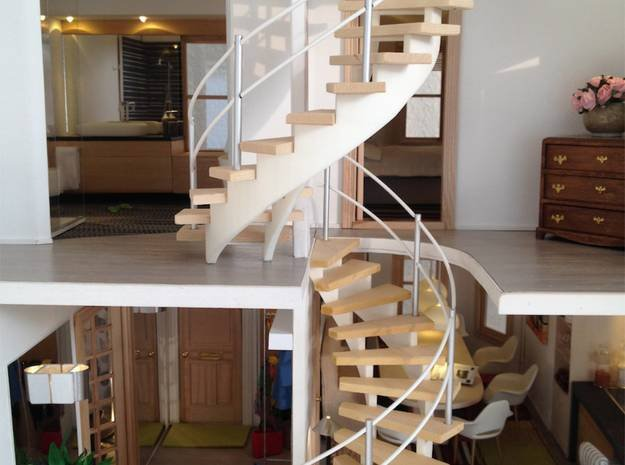 Spiral Staircase in 1:12 in White Natural Versatile Plastic