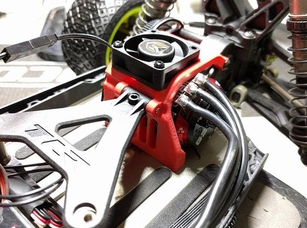 TLR 22 4.0 fan brace 30mm in Black Natural Versatile Plastic