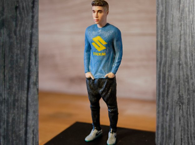 Justin Bieber Figure 1:9 in Full Color Sandstone