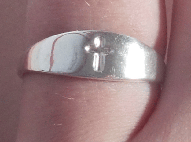 Cross ring A (US sizes 10 – 13) in Fine Detail Polished Silver: 13 / 69