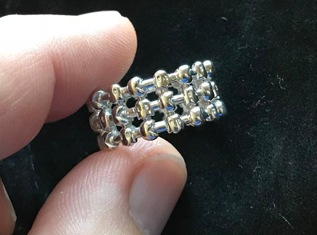 PAC MAN RING in Fine Detail Polished Silver: 7 / 54