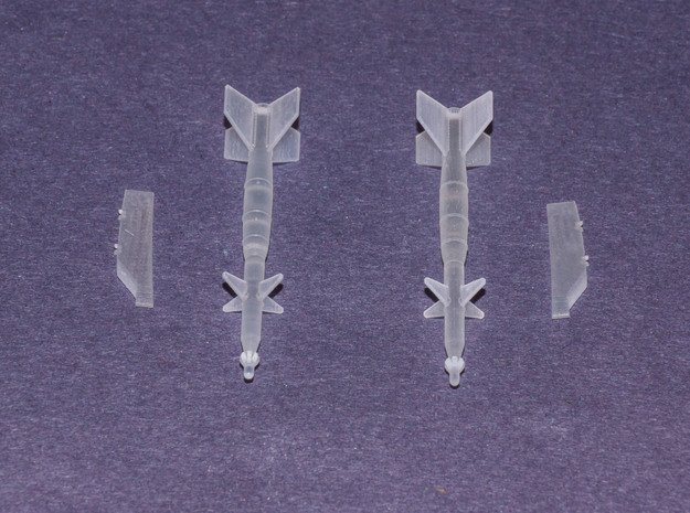 LGB 745 (LS) Laser Guided Bomb in Smooth Fine Detail Plastic: 1:72