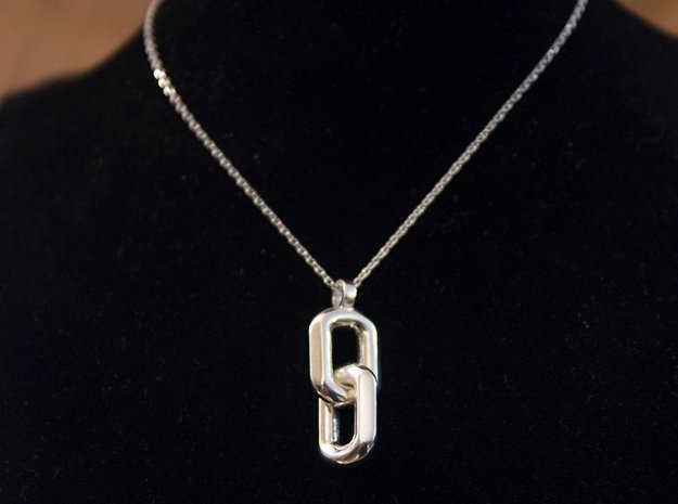 Free links  [pendant] in Polished Silver (Interlocking Parts)