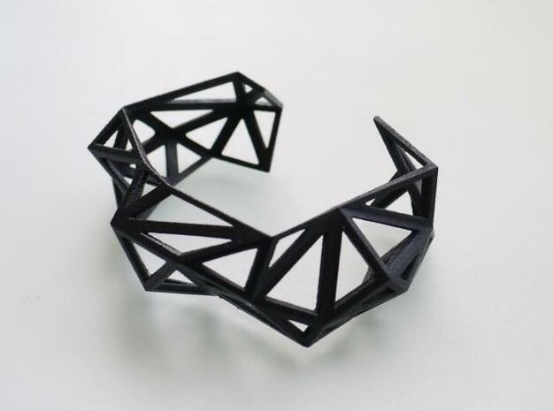 TRIANGULATED CUFF     in Black Natural Versatile Plastic: Small