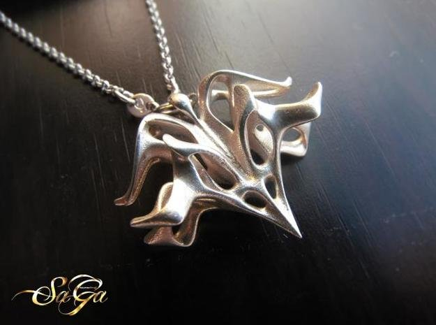 Valiant Pendant in Polished Silver