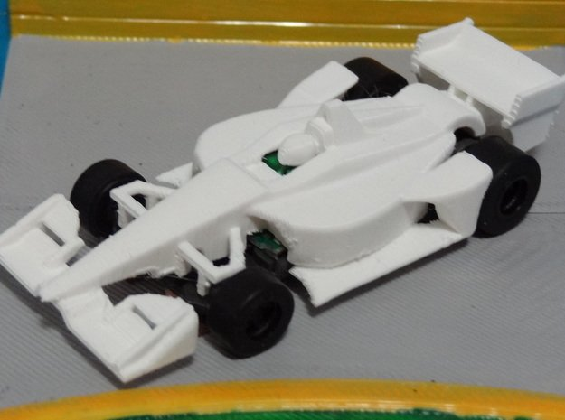 HO 2018 Indy Car in White Processed Versatile Plastic